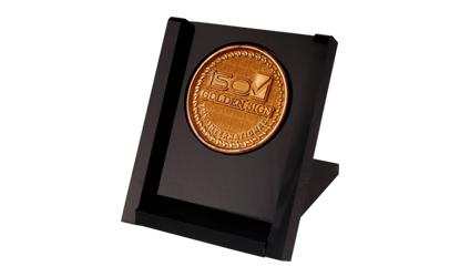 نشان طلایی ISO  از TUV