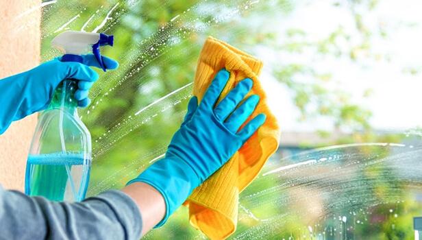بایدها و نبایدهای نظافت در و پنجره